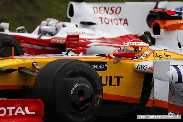 ¿Será más difícil adelantar con los coches del 2010? 0alonso1-lg1