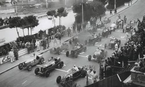 Salida Mónaco 1932, con los diferentes colores de coches según nacionalidad