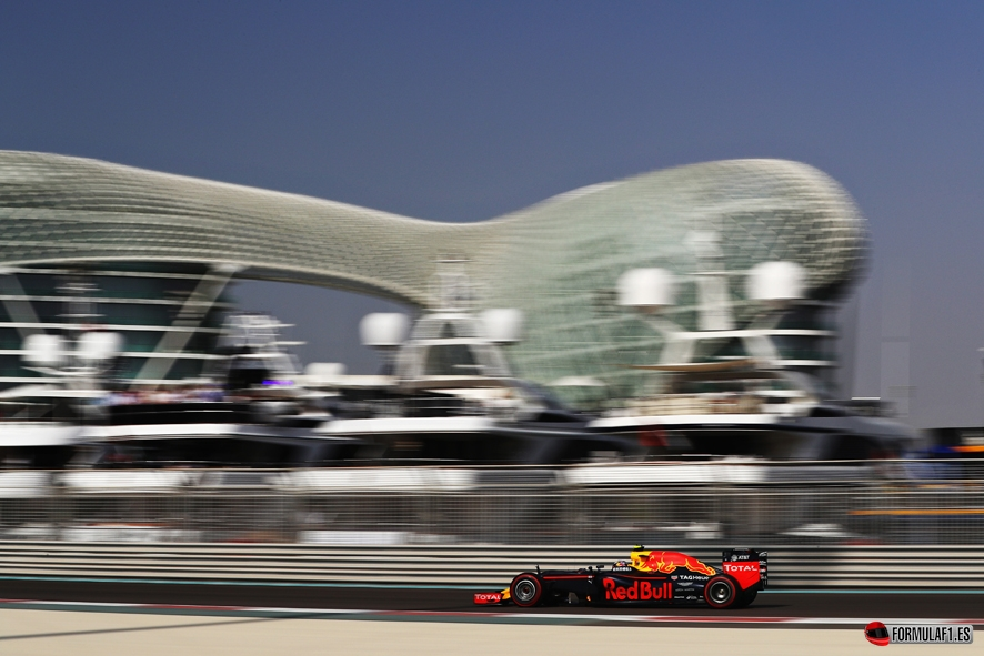 ABU DHABI, UNITED ARAB EMIRATES - NOVEMBER 26: Max Verstappen of the Netherlands driving the (33) Red Bull Racing Red Bull-TAG Heuer RB12 TAG Heuer on track during final practice for the Abu Dhabi Formula One Grand Prix at Yas Marina Circuit on November 26, 2016 in Abu Dhabi, United Arab Emirates. (Photo by Clive Mason/Getty Images) // Getty Images / Red Bull Content Pool // P-20161126-00169 // Usage for editorial use only // Please go to www.redbullcontentpool.com for further information. //
