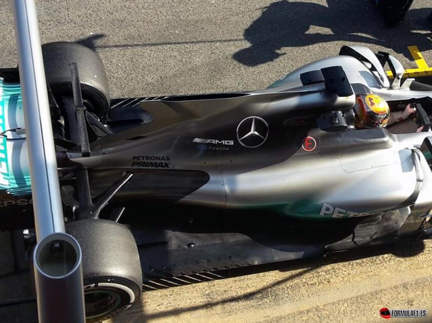 Vettel lidera la primera mañana de test con Ferrari