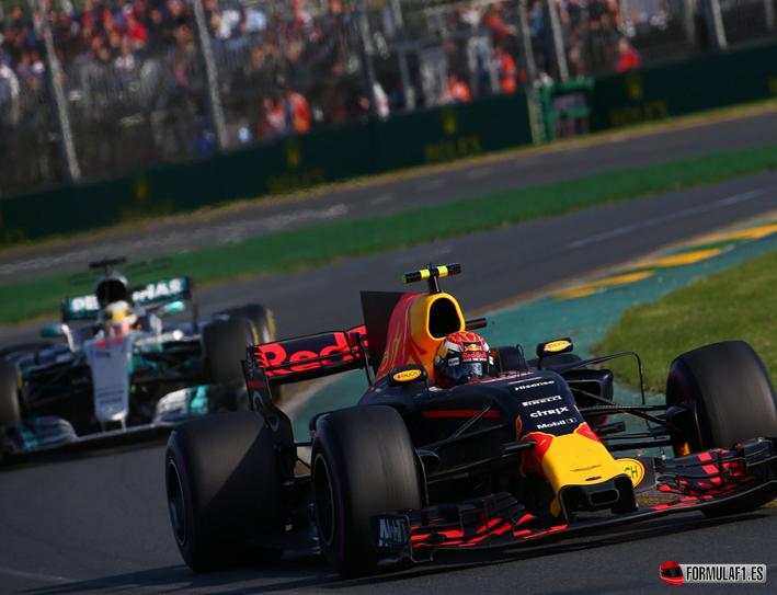 GP de Australia 2017: un Vettel portentoso confirma la amenaza de ayer