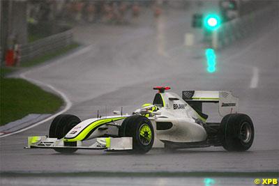 GP de Malasia: Victoria de Button en el caos