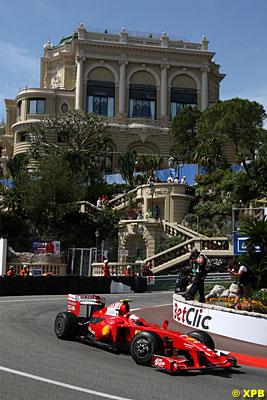 Siempre es un placer ver rodar un F1 por las calles de Mónaco