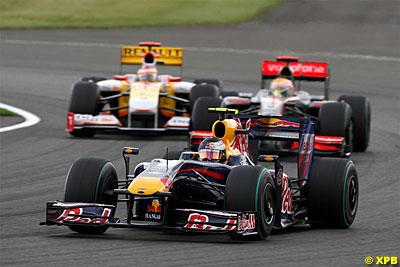 Vettel doblando a Hamilton y Alonso, quién lo diría antes de comenzar la temporada...