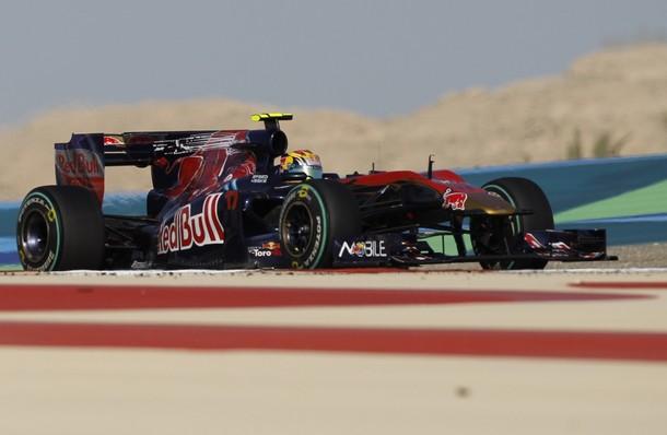 Jaime Alguersuari durante el Gran Premio de Bahrein 2010