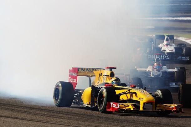 Robert Kubica en la primera vuelta del Gran Premio de Bahrein 2010