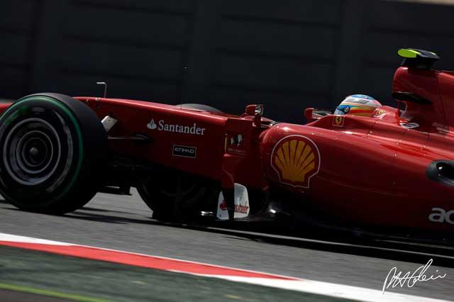 Fernando Alonso en los entrenamientos del GP de España 2010