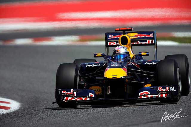 Sebastian Vettel durante los entrenamientos del GP de España 2010