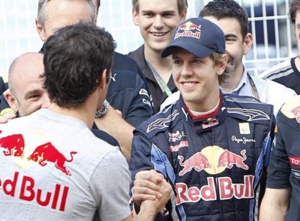 Mark Webber y Sebastian Vettel se saludan tras el GP de Europa 2010