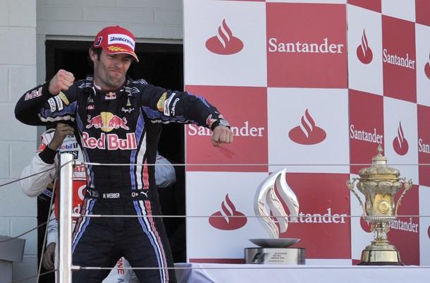 Mark Webber celebra su victoria en el GP de Gran Bretaña 2010