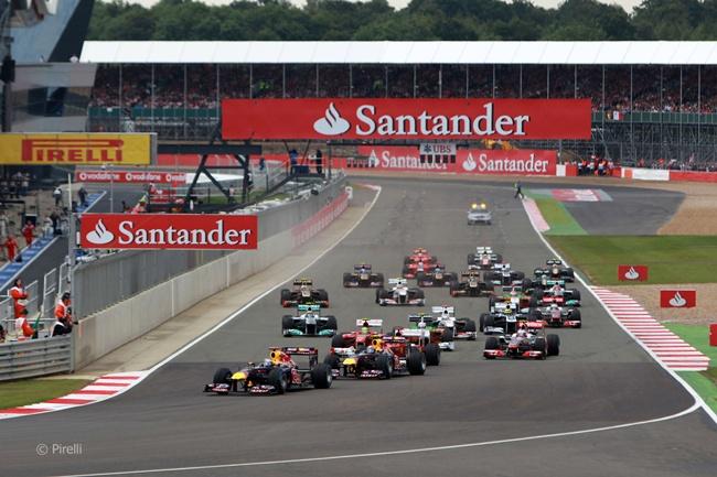 Salida del GP de Gran Bretaña 2011