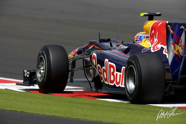 Mark Webber durante los entrenamientos del GP de Gran Bretaña 2010