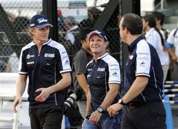 Nico Hulkenberg y Rubens Barrichello en Suzuka 2010