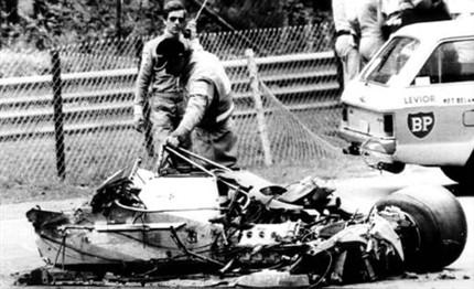 Coche de G. Villeneuve tras la tragedia