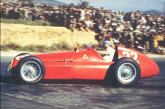 Fangio al volante del Alfa 159