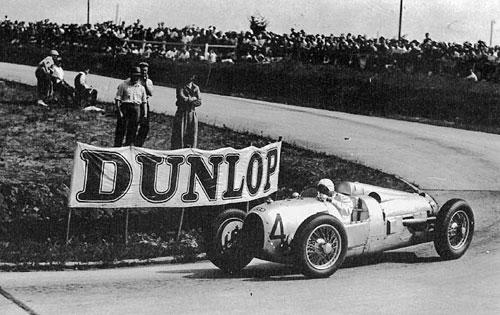 Hans Stuck con su Auto Union. 1934