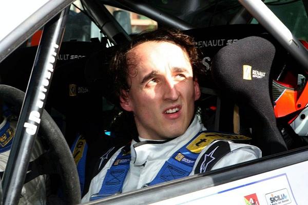 Robert Kubica en un coche de rally