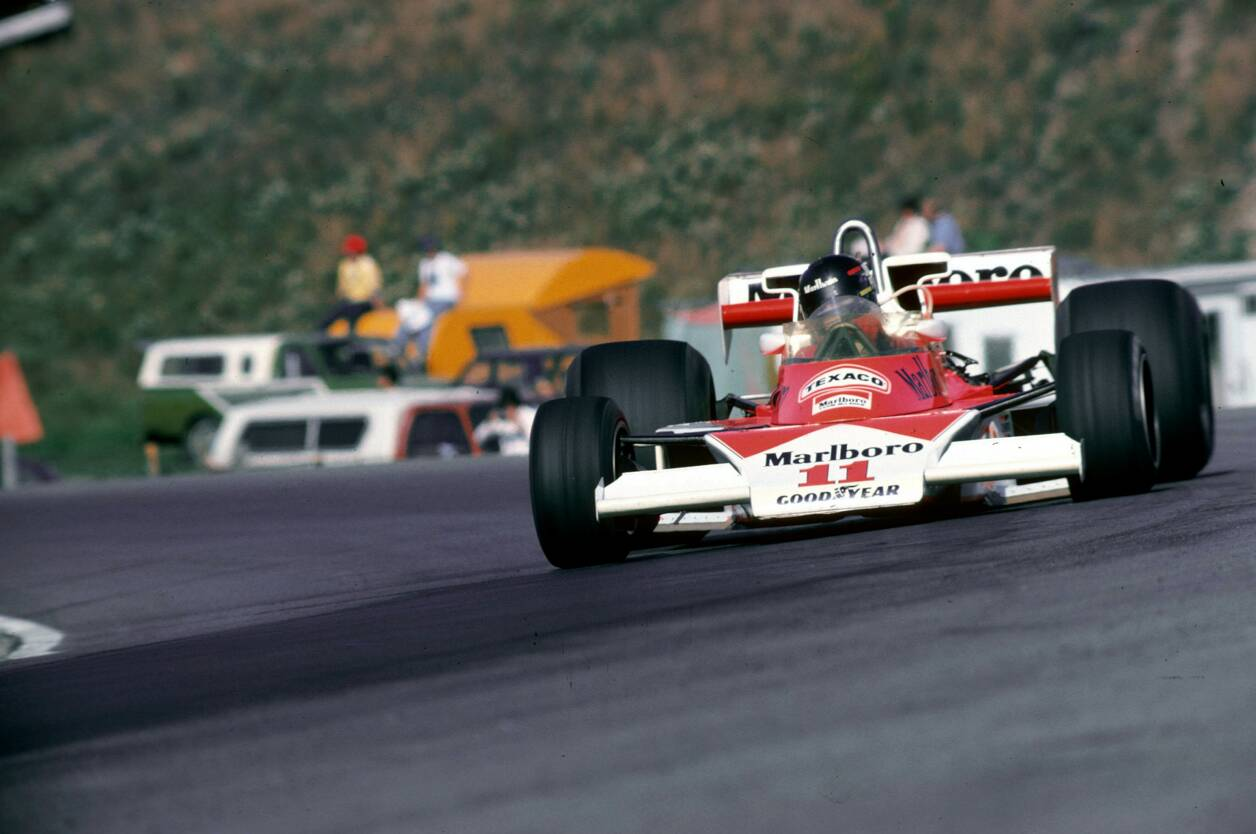 James Hunt con el McLaren M23 durante el GP de Canadá de 1976