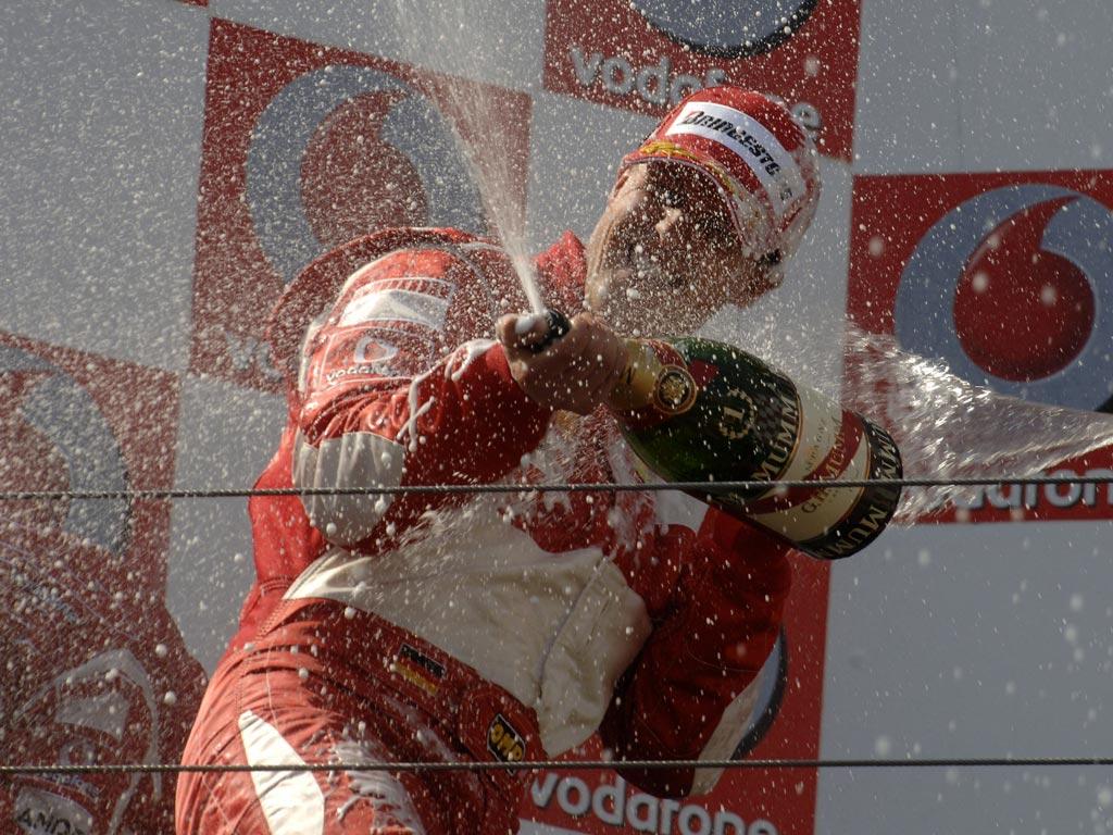Michael Schumacher en el podio de Nurburgring en 2006