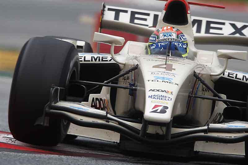 Sergio Perez en la GP2 en 2010 con el equipo Telmex Barwa Addax