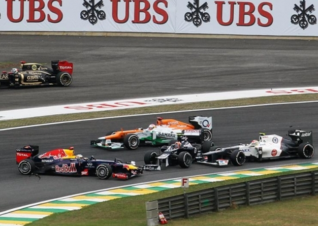 Incidente Vettel salida. GP Brasil 2012