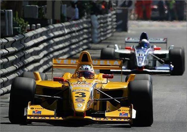 Maldonado vence en Mónaco, en las WSR con el equipo Draco. 2006