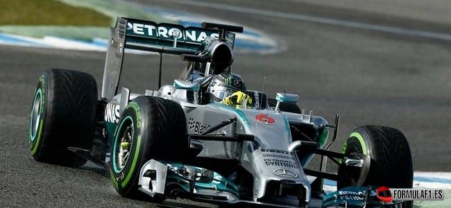 Mercedes se aleja del título de favorito pese a los problemas de Red Bull