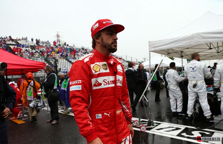 Mercedes fichará a Alonso en 2016 si Hamilton no renueva