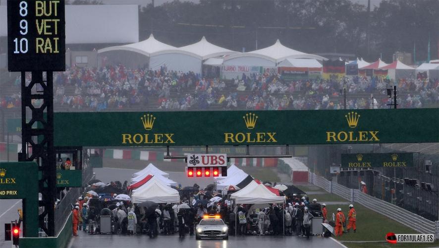 GP de Japón 2014: Lewis Hamilton vence bajo la lluvia tras el accidente de Jules Bianchi