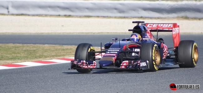 Carlos Sáinz, Toro Rosso, Test Barcelona 2015