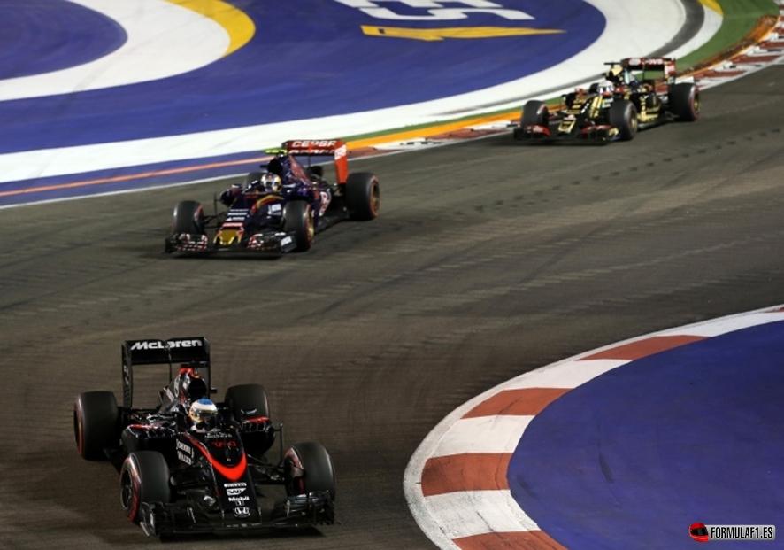 GP de Singapur 2015: Sebastian Vettel deslumbra en la noche