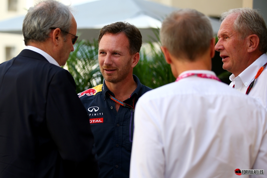 ABU DHABI, UNITED ARAB EMIRATES - NOVEMBER 28: Infiniti Red Bull Racing Team Principal Christian Horner and Infiniti Red Bull Racing Team Consultant Dr Helmut Marko speak with Jerome Stoll, Executive Vice President of Renault Group and Chairman of Renault Sport in the paddock before final practice for the Abu Dhabi Formula One Grand Prix at Yas Marina Circuit on November 28, 2015 in Abu Dhabi, United Arab Emirates. (Photo by Mark Thompson/Getty Images) // Getty Images/Red Bull Content Pool // P-20151128-00252 // Usage for editorial use only // Please go to www.redbullcontentpool.com for further information. //