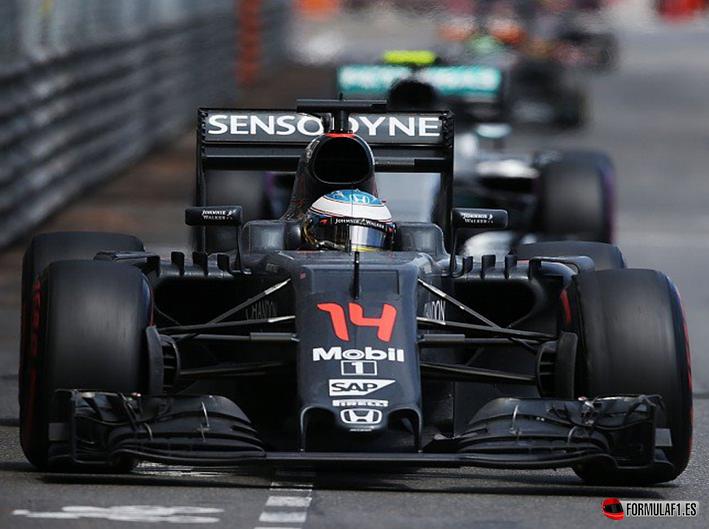 GP de Mónaco 2016: Lewis Hamilton toma aire en Monte Carlo