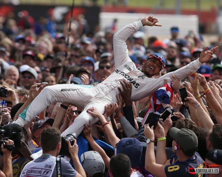 GP de Gran Bretaña 2016: Hamilton perfecto en una carrera preciosa