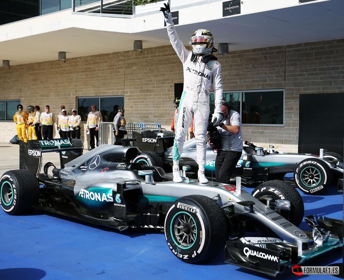 GP de EE.UU. 2016: Lewis Hamilton vence y mantiene viva la esperanza