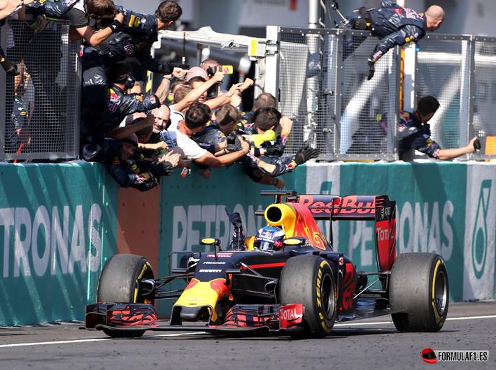 GP de Malasia 2016: Ricciardo se alza con la victoria en un puro espectáculo