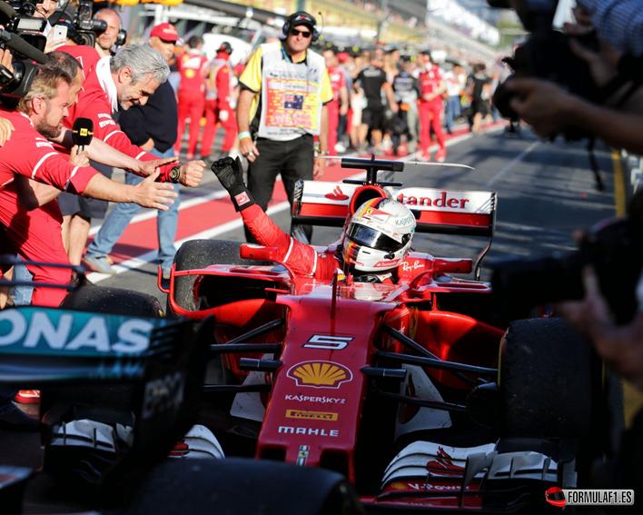 Vettel logra la victoria. GP Australia 2017