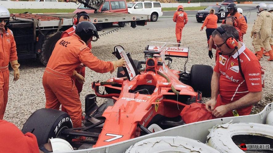 Bottas lidera tras el accidente de Räikkönen