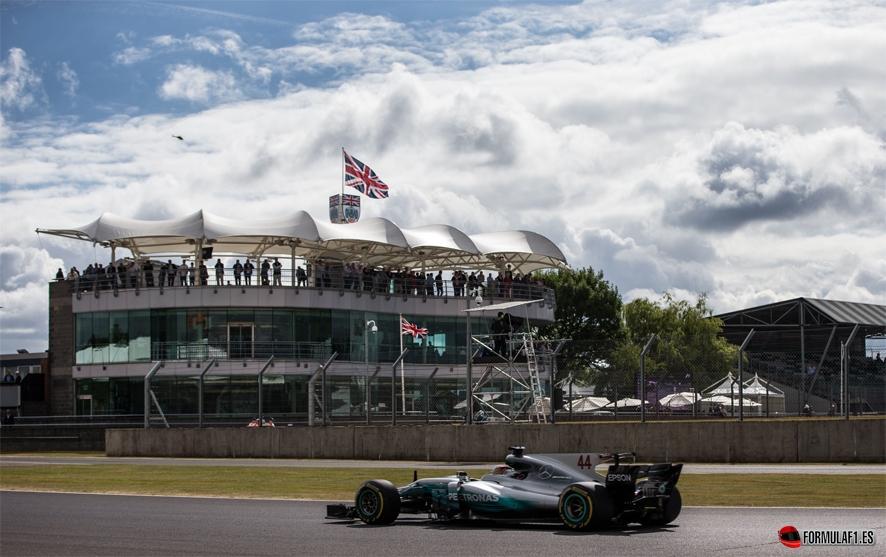 GP de Gran Bretaña 2017-Libres 3: Hamilton el más rápido con Vettel y Bottas en la misma décima