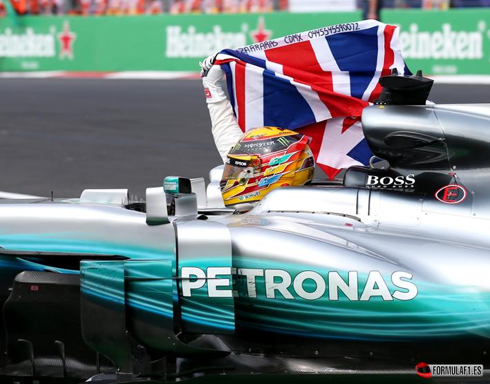 GP de México 2017: Hamilton eclipsa una gran victoria de Verstappen con su cuarta corona mundial
