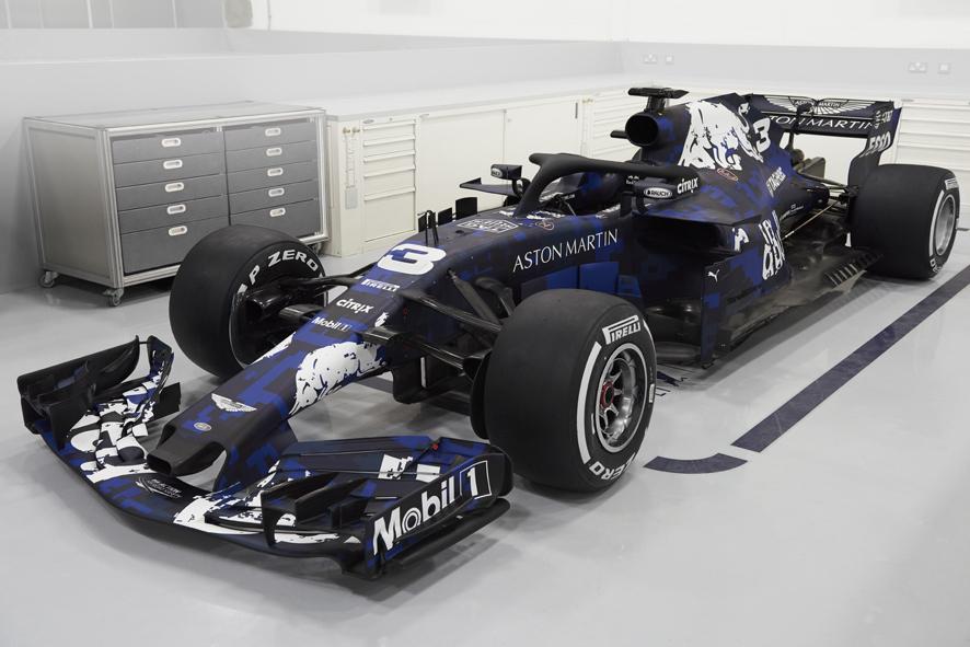 Red Bull lanza su último monoplaza con motor Renault