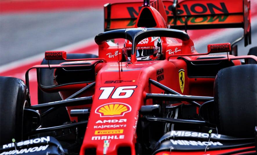 Charles Leclerc mantiene a Ferrari en cabeza