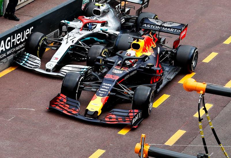 Verstappen y Bottas en Pit Lane. GP Mónaco 2019